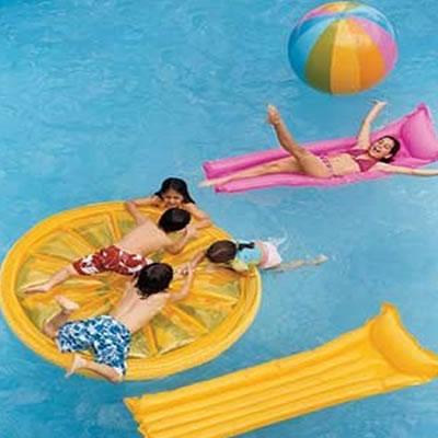 Cl sicos blog cuidado infantil for Colchonetas piscina